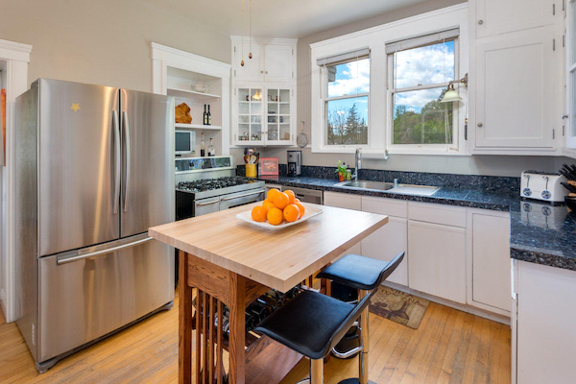 casa_bella_sonoma-kitchen