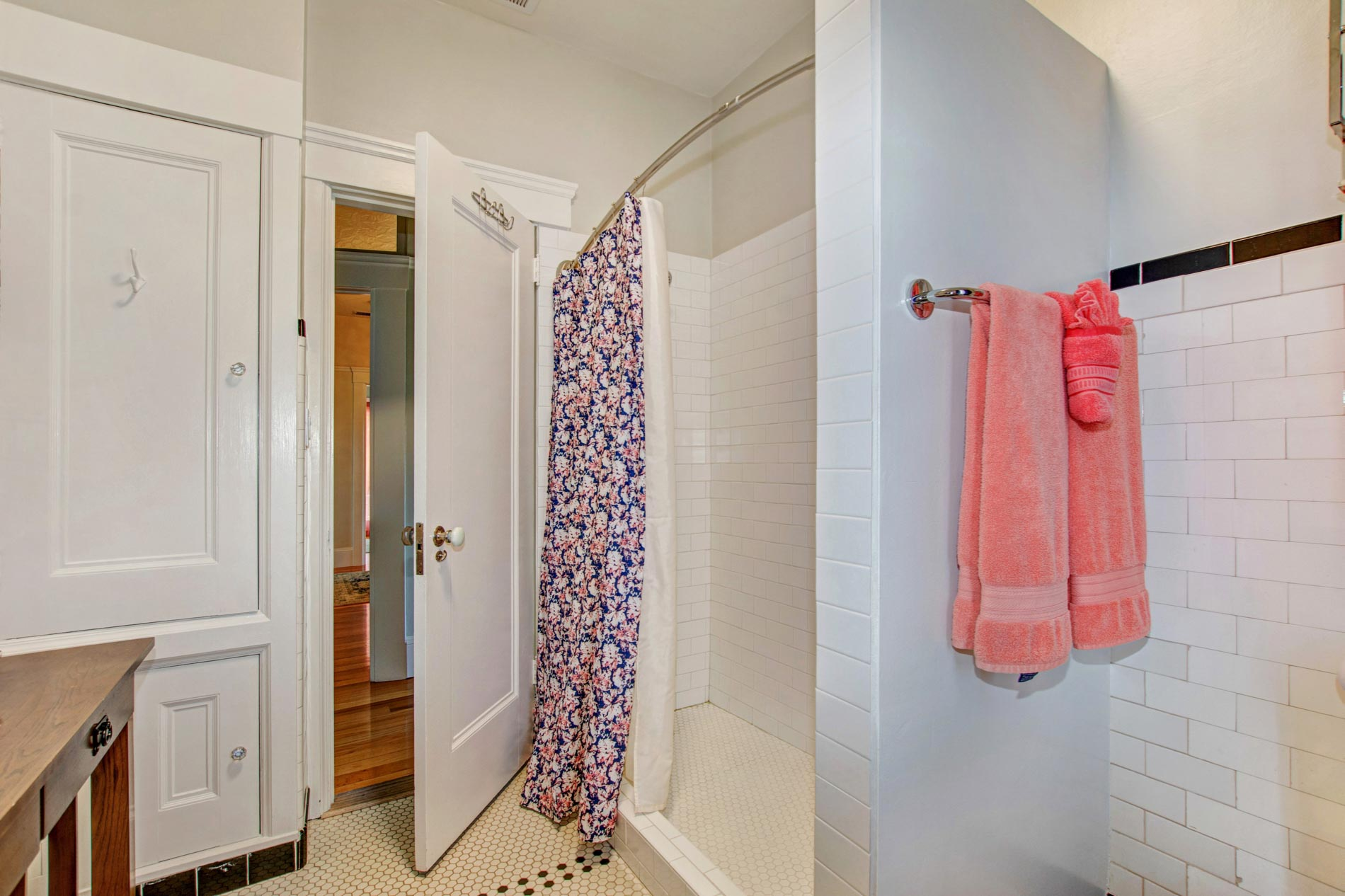 Casa Bella bathroom and shower with pink towels
